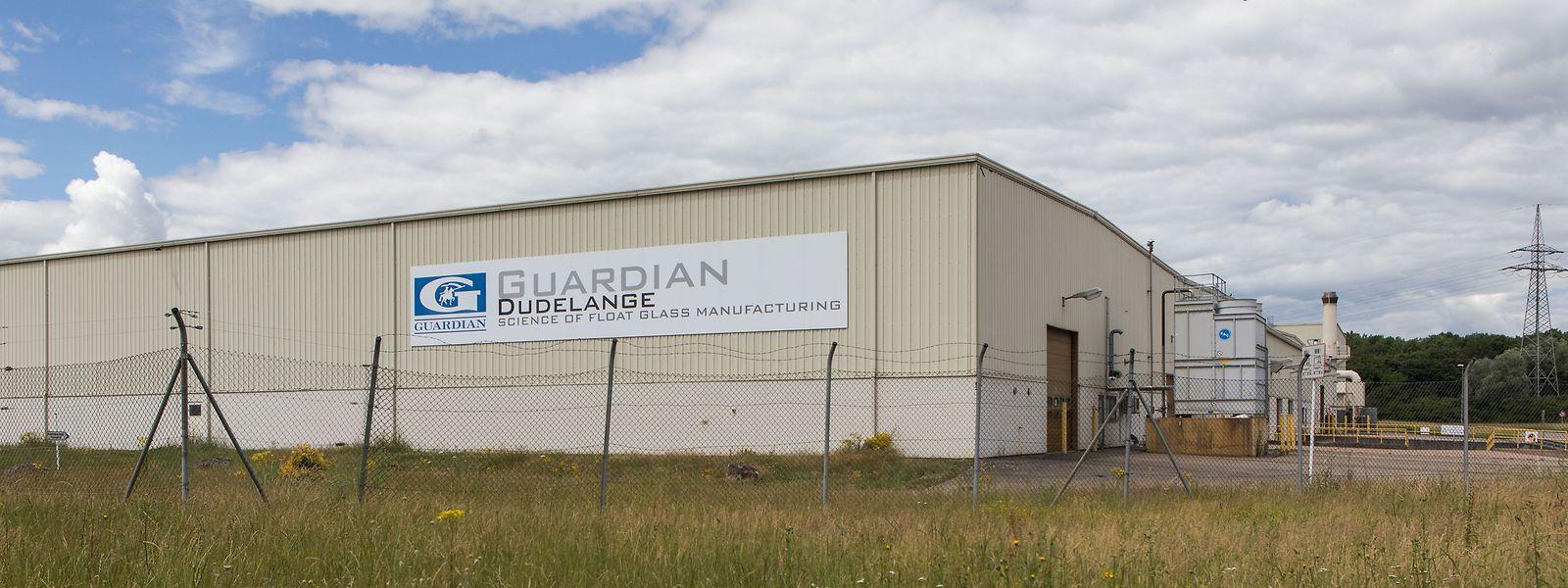 Die Luxguard-Produktionsstätte in Düdelingen mit dem alten Glasofen (rechts im Bild). Einen neuen will Guardian für das Werk nicht anschaffen.