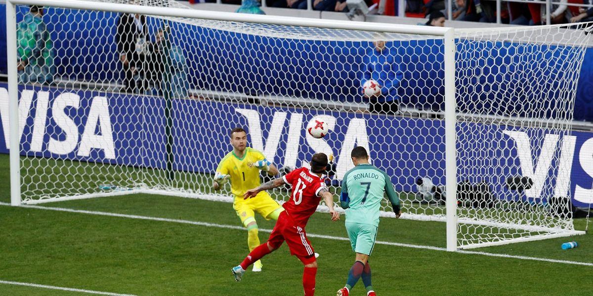 Cristiano Ronaldo ade cabeça fez o golo do triunfo português