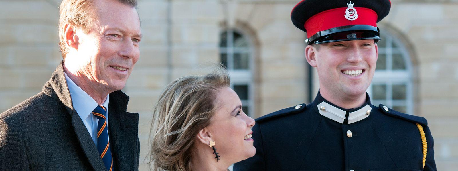2017 zu Besuch in Sandhurst: Großherzog Henri und Großherzogin Maria Teresa beglückwünschen ihren Sohn, Prinz Sébastien, zum erfolgreichen Abschluss der Militärakademie in Sandhurst