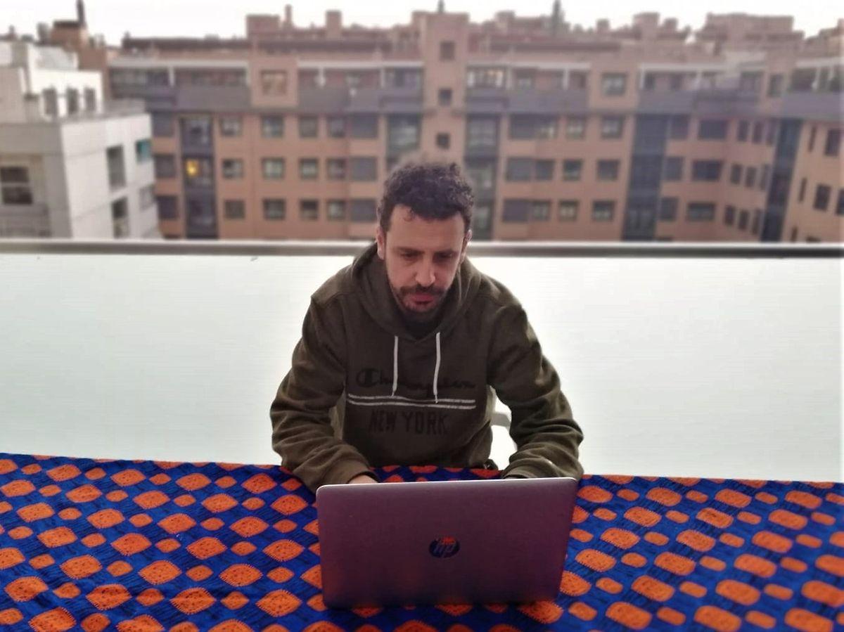 O jornalista Juan Calleja GonZález em Madrid.