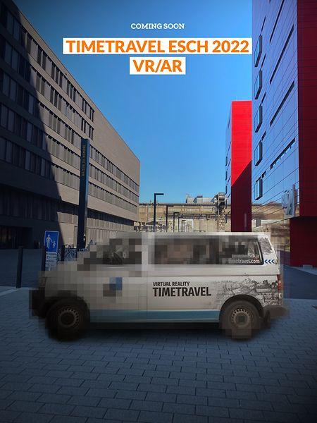 """Noch ist der """"Time travel""""-Bus auf dem Plakat von Esch 2022 verpixelt. 2022 soll er aber seine Runden in Belval drehen."""