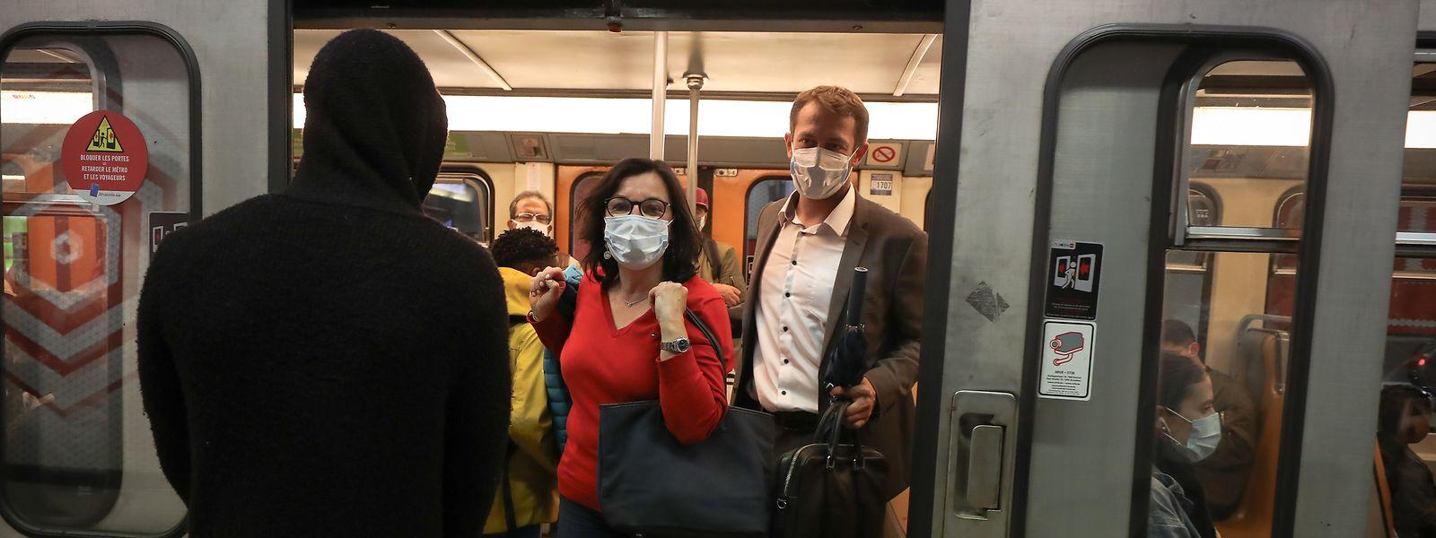 Ohne Auto geht es schneller: Tilly Metz und Christophe Hansen fahren mit der U-Bahn zur Arbeit.