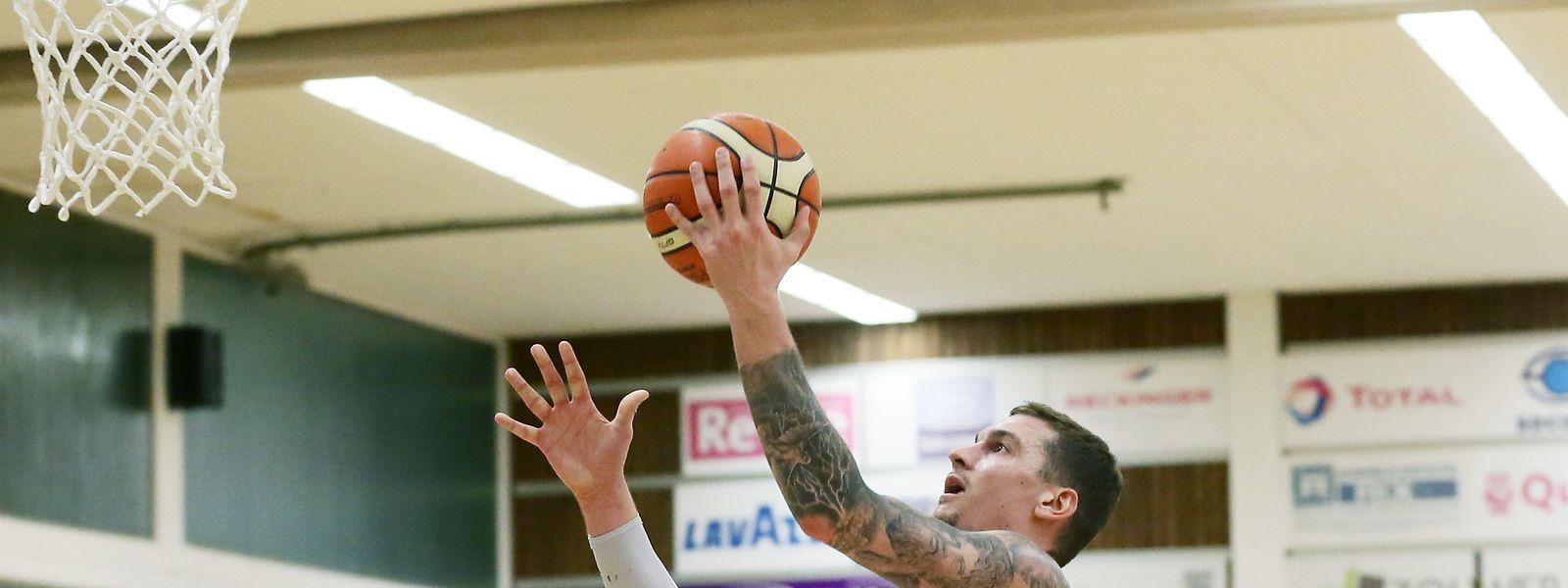 Alex Rodenbourg (Basket Esch) kann sich über seinen ersten Meistertitel freuen.
