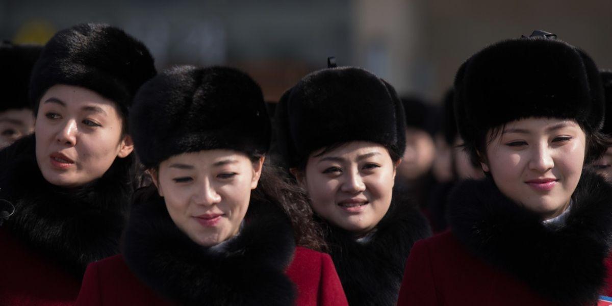 Über 200 nordkoreanische Cheerleaderinnen sind am Mittwoch in Südkorea eingetroffen.