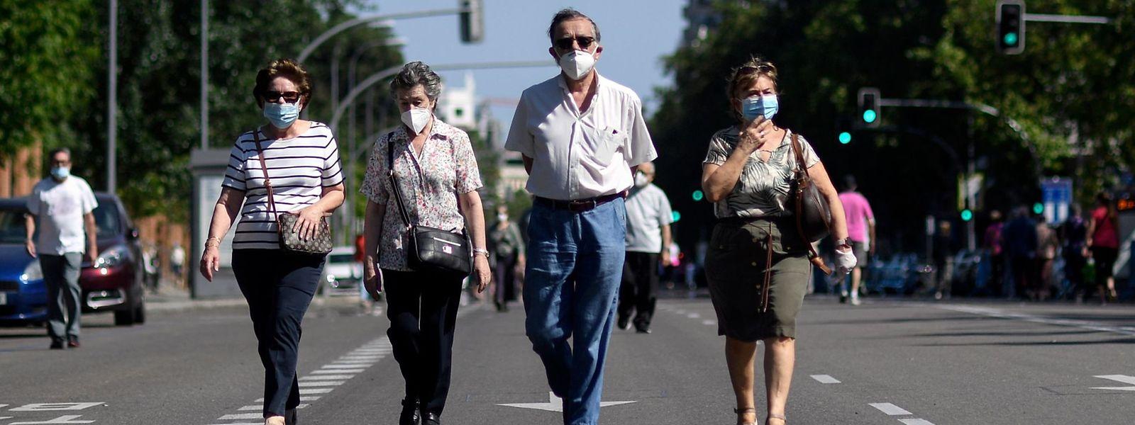 Le gouvernement fédéral belge a promis un masque par citoyen. Mais ça tarde...