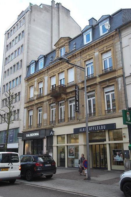 """Dieses Haus auf Nummer 29, Avenue de la Gare, wurde im Mai in die Liste der """"ensembles sensibles"""" aufgenommen. Der Gemeinderat sprach sich aber auch in diesem Fall gegen den Vorschlag des Kulturministeriums aus das Gebäude ins """"inventaire supplémentaire des monuments nationaux"""" aufzunehmen."""