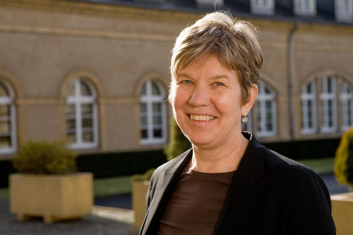 Prof. Dr. Adelheid Hu ist Expertin für Mehrsprachigkeit und an der Universität Luxemburg verantwortlich für die Forschungspriorität Erziehungswissenschaften mit Schwerpunkt Mehrsprachigkeit und Diversität.