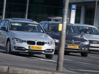 Viele Grenzgänger nehmen ihre luxemburgischen Firmenwagen mit nach Hause und nutzen das Auto in der Freizeit.