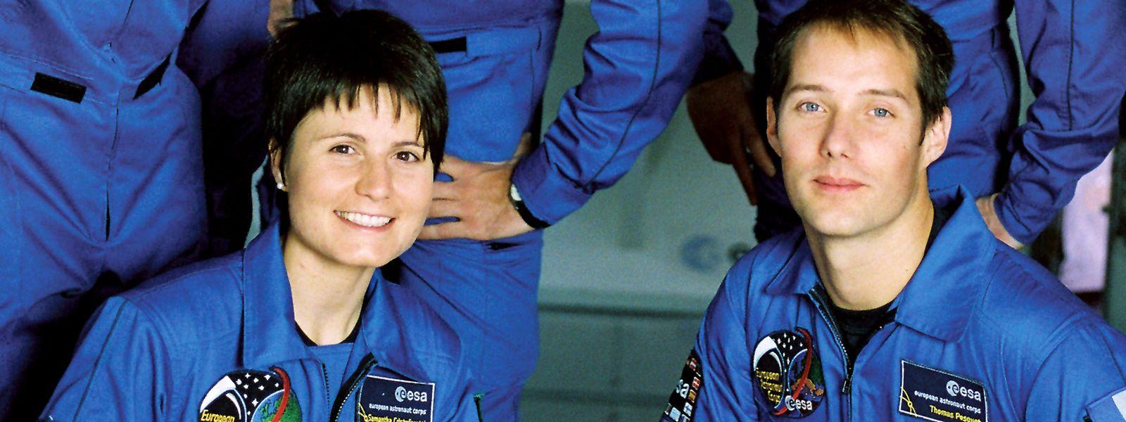 ESA-Astronautin Samantha Cristoforetti (v. l.) – Aufnahme aus dem Jahr 2009 – zwischen den Männern der Ausbildungsklasse.