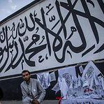 Talibãs penduraram corpo numa grua na principal praça de Herat
