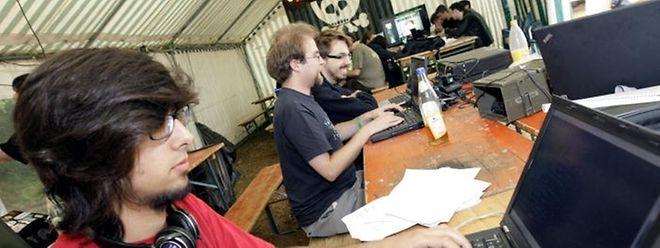 Hacker und alle am Thema Interessierten bietet das haxogreen 2012 eine einmalige Möglichkeit, sich auszutauschen und dazu zu lernen.