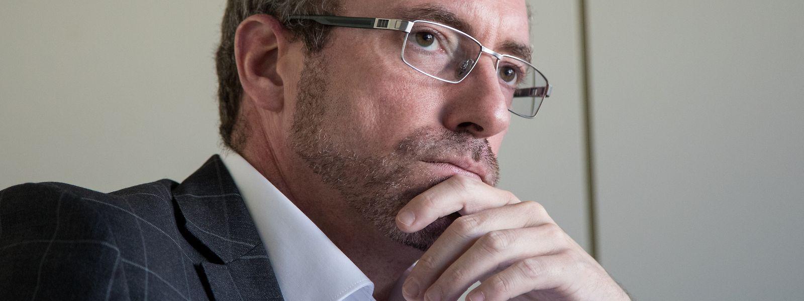 CSV-Parteipräsident Frank Engel wirft Nicolas Schmit (LSAP) vor, seinen Wahlkampf teils mit Steuergeldern zu finanzieren.