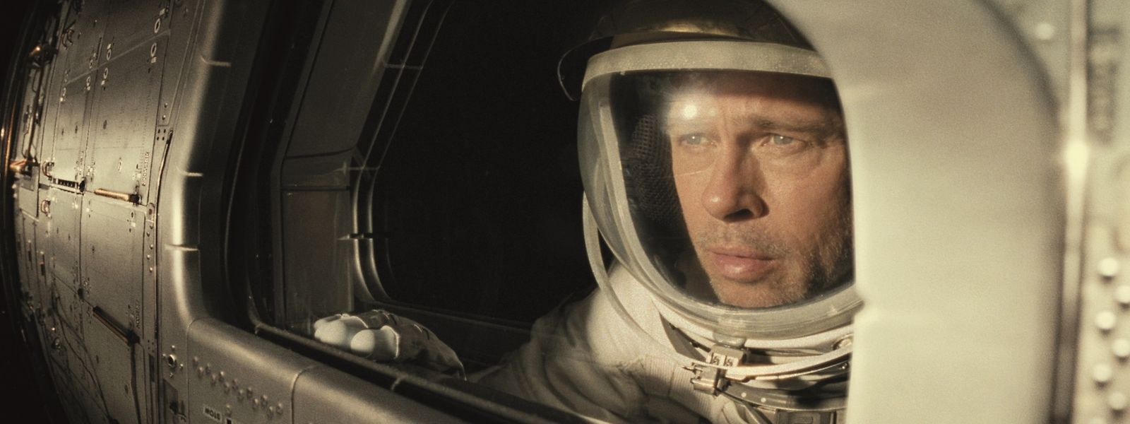 L'astronaute Roy McBride (Brad Pitt) se lance dans une périlleuse mission.