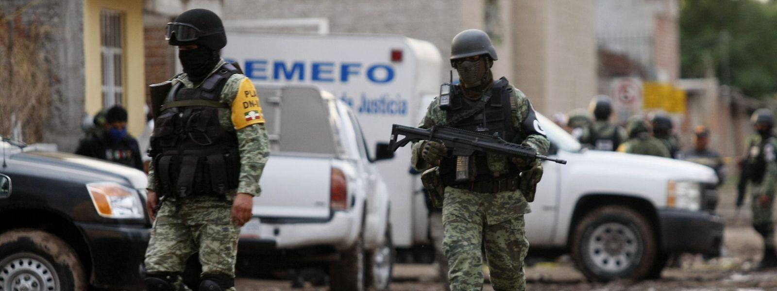 Sicherheitskräfte der Nationalgarde am Anschlagsort in Irapuato.