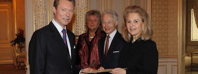 Der Preis wurde von Großherzog Henri überreicht.