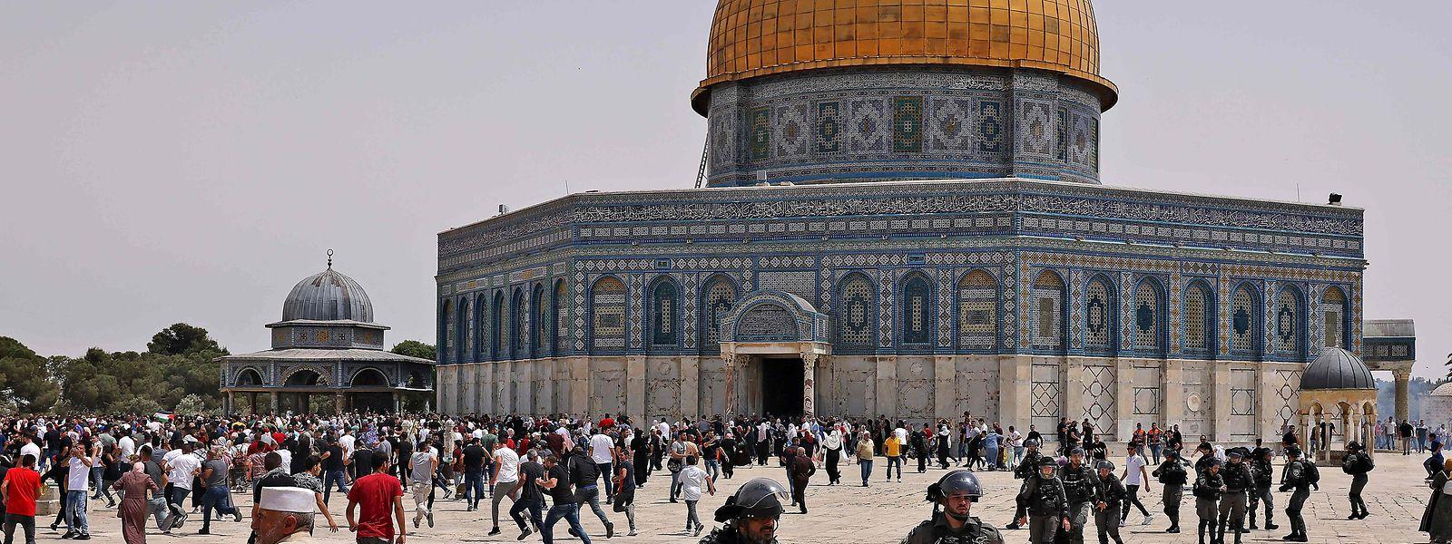 Der Tempelberg in Jerusalem ist einer der umstrittensten heiligen Orte der Welt und Ausgangspunkt der jüngsten Gewalteskalation zwischen Israelis und Palästinensern.