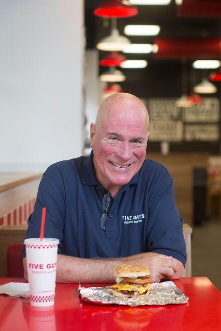 Jerry Murrell, le fondateur de Five Guys, nom donné à son premier fast food en référence à ses quatre fils