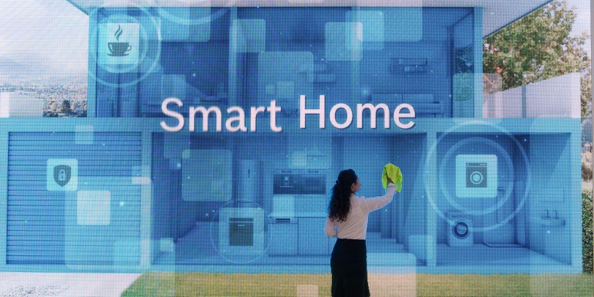 Im Smart Home werden regelmäßige Abläufe wie die Heizungssteuerung automatisch geregelt und vernetzte Geräte kommunizieren miteinander.