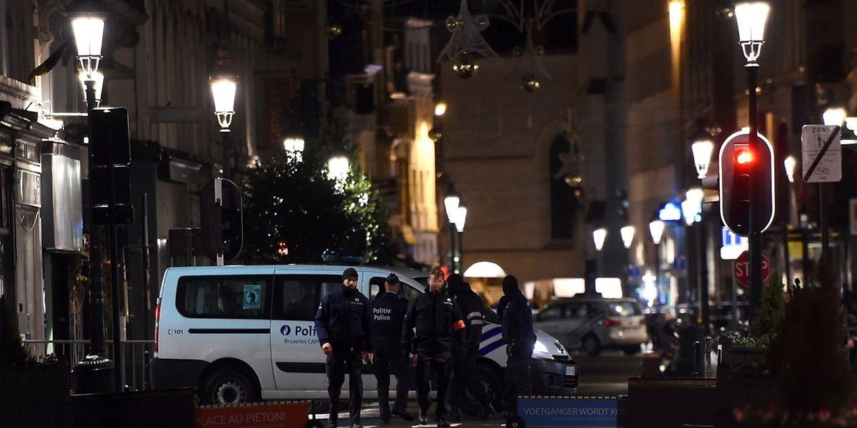 La presse a cessé le temps des actions policières de donner des informations qui auraient pu nuire à leur bon déroulement