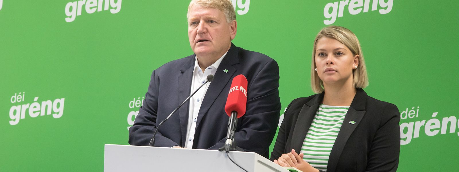 Die Parteipräsidenten von Déi Gréng, Christian Kmiotek und Djuna Bernard, während der Pressekonferenz am Mittwoch.