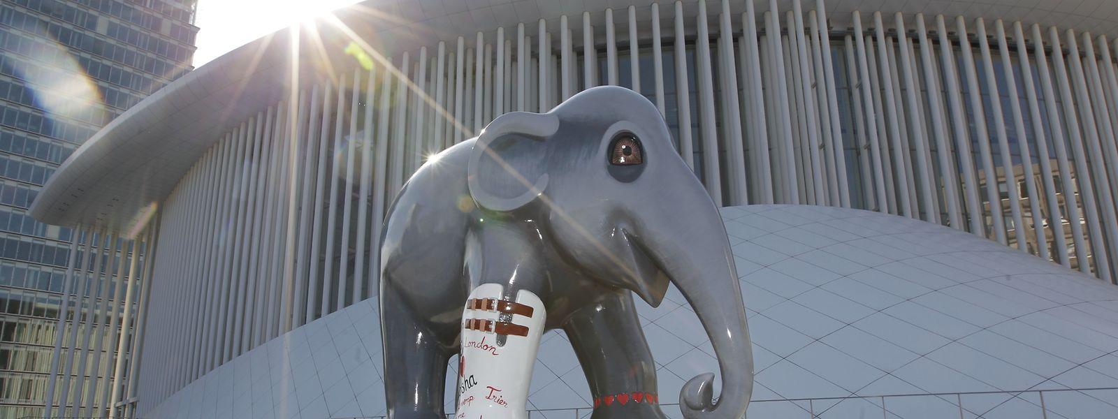 Un invité de l'«Elephant Parade» sur le parvis de la Philharmonie de Luxembourg en 2013.