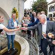 4.9. Osten / Weinfest Schwebsange / Feier beim Brunnen mit Ministerin Carole Dieschbourg  Foto:Guy Jallay