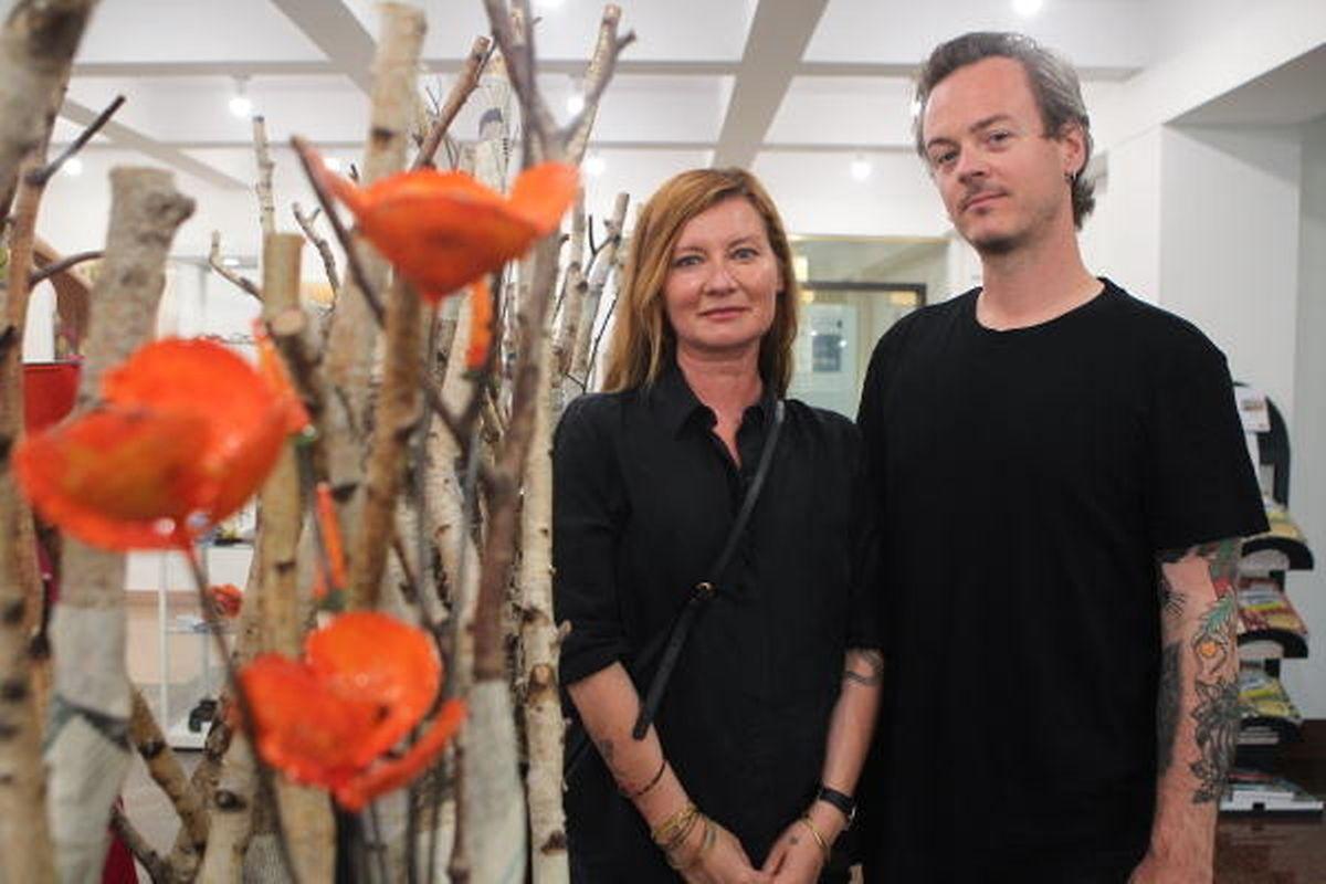 Die VR-Produktionen des Künstlerduos Karolina Markiewicz und Pascal Piron werden regelmäßig für die Wettbewerbe  internationaler Festivals ausgewählt.
