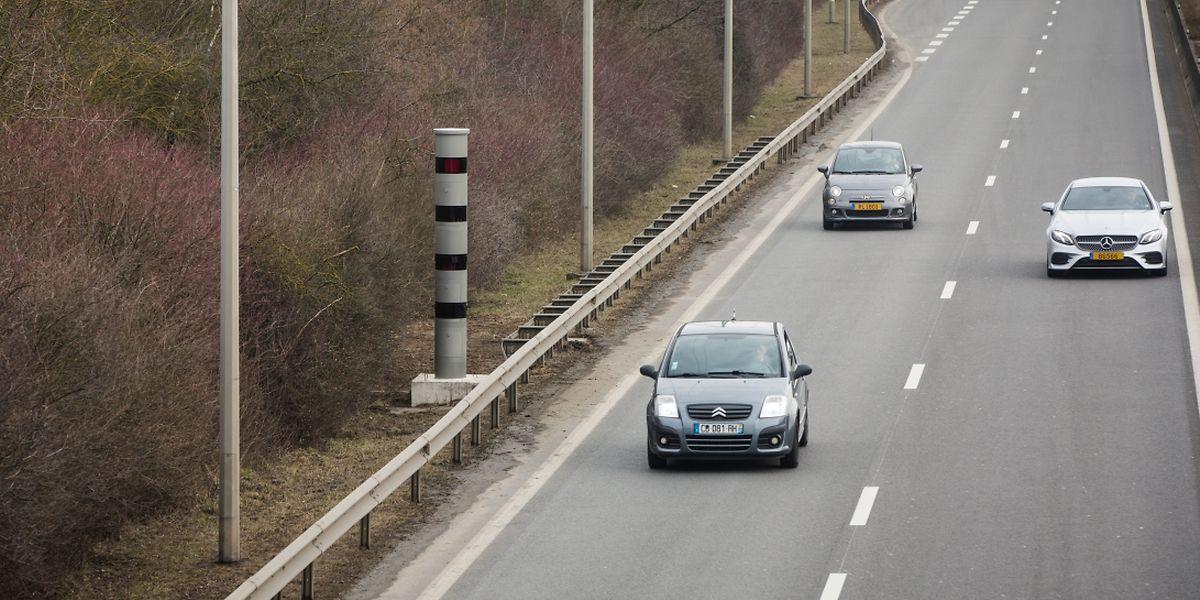 Das Radargerät am Ende der A4 wurde am Montag aufgestellt.