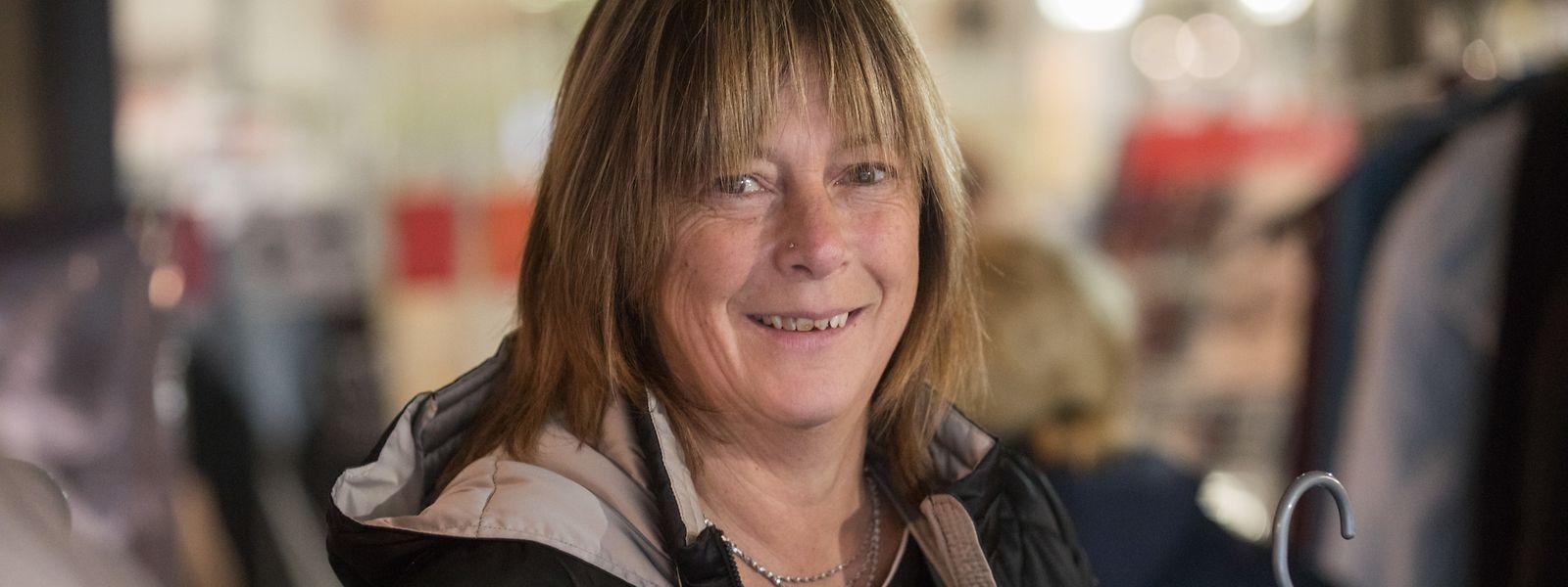 """""""Bis keine Winterjacken mehr da sind"""", will Josiane Schoder ihre Initiative weiter führen."""