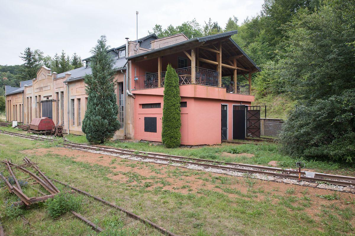 Im vorderen Teil des Gebäudes hat Fernand Banz ein Lokal eingerichtet.