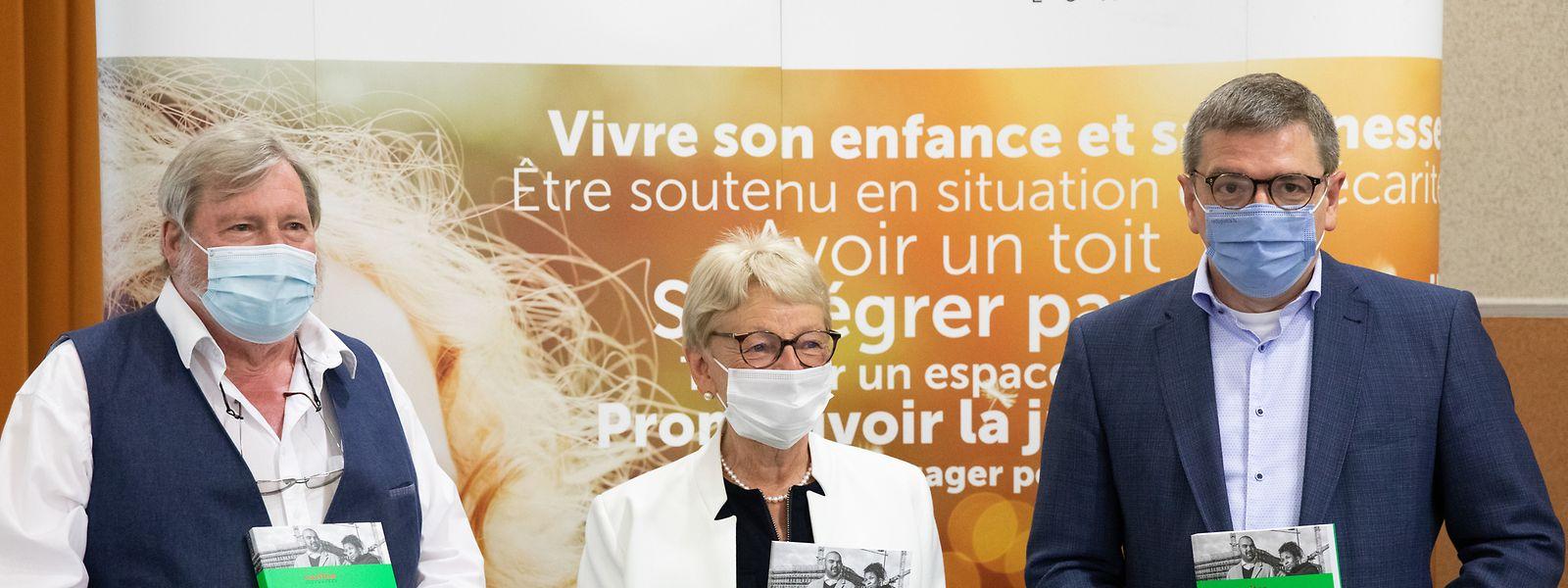 Robert Urbé, Präsidentin Marie-Josée Jacobs und Generaldirektor Marc Crochet präsentierten am Mittwoch die neuste Ausgabe des Caritas Sozialalmanachs.
