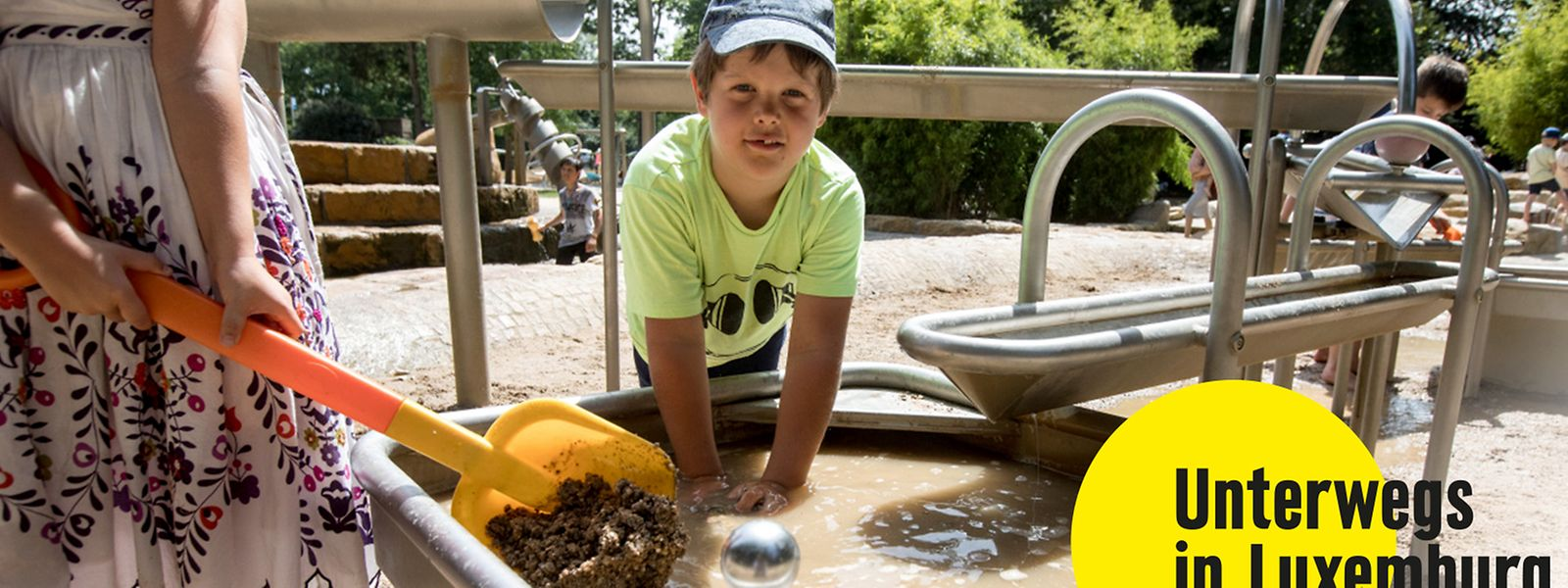 Mit Wasser und Sand hantieren, liebt jedes Kind.