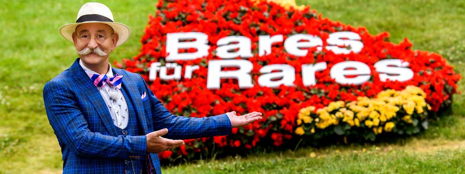 """Horst Lichter empfängt in den beiden Sonderausgaben von """"Bares für Rares"""" auch prominente Verkäufer. In der ersten Folge etwa Ex-Skirennläufer Felix Neureuther."""