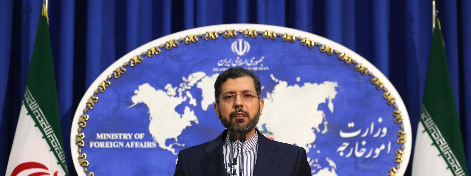 Der Sprecher des iranischen Außenministerium, Saied Khatibzadeh, informiert über die temporäre Vereinbarung zu den Atominspektionen.