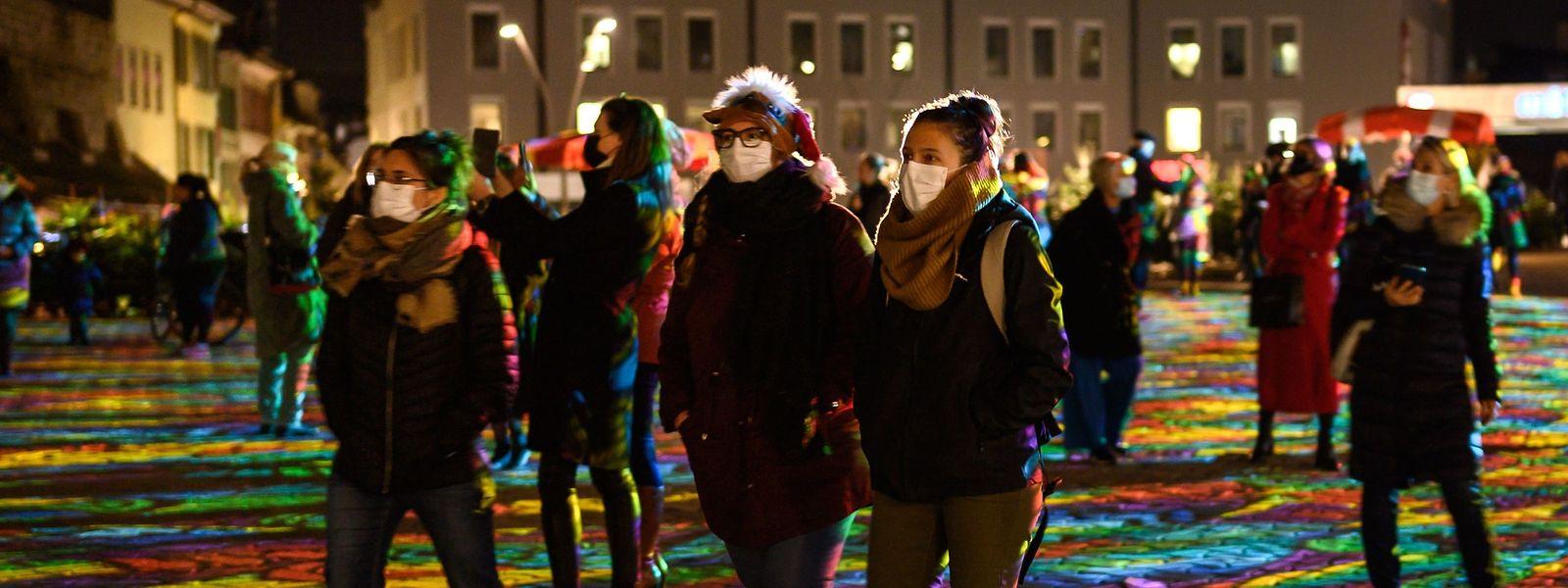In der Altstadt von Lausanne ist in der Woche vor Weihnachten viel los- trotz der Corona-Pandemie.