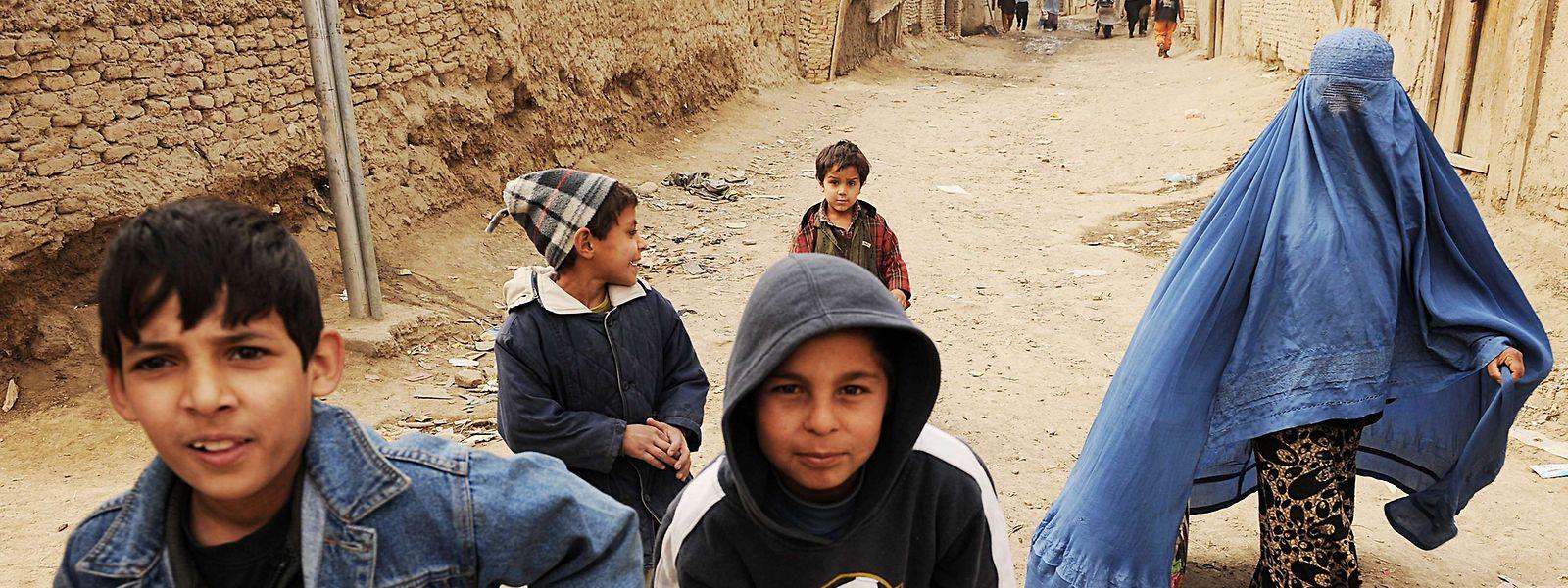 Avant l'arrivée des talibans, le pays comptait 4 millions de filles scolarisées. Vont-elles encore être admises dans le futur système éducatif mis en place?