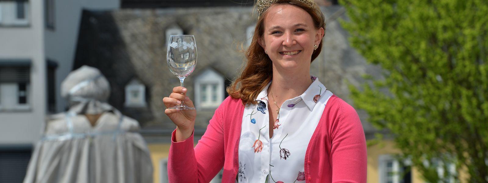 Bärbel Ellwanger, amtierende Weinkönigin von Trier, ist studierte Sinologin und hat je ein Jahr in der Volksrepublik China und in Taiwan gelebt.