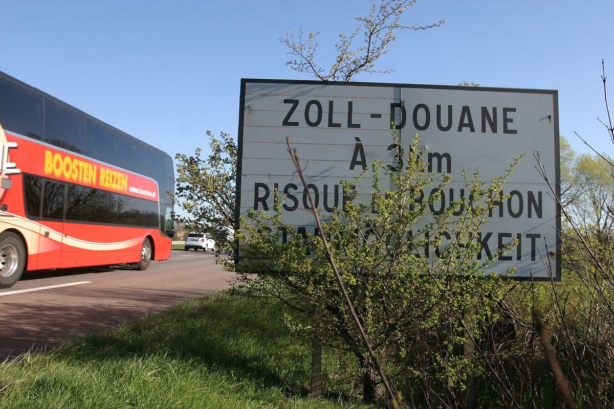Vu la densité du trafic sur l'A31 au nord de Thionville, «on constate des bouchons récurrents aux heures de pointes et de nombreuses zones dites «instables»» où la moindre perturbation peut entraîner de forts ralentissements», est écrit dans le dossier du maître d'ouvrage.