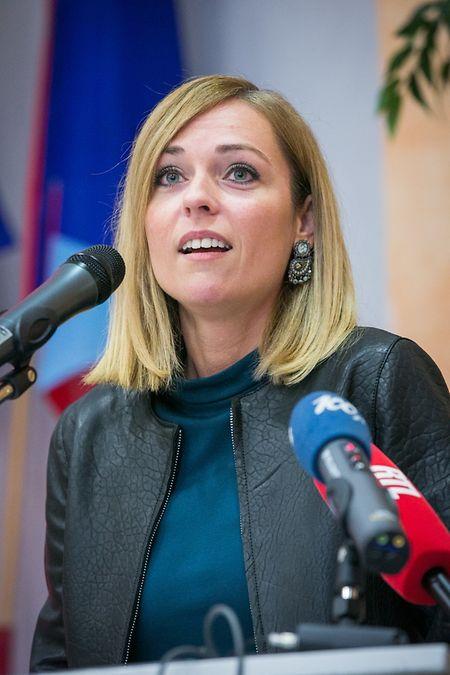 Taina Bofferding, hier während der Vorstellung des LSAP-Erneurungsplanes, wird wohl erst in drei Jahren Vera Spautz als Sprecherin ablösen.