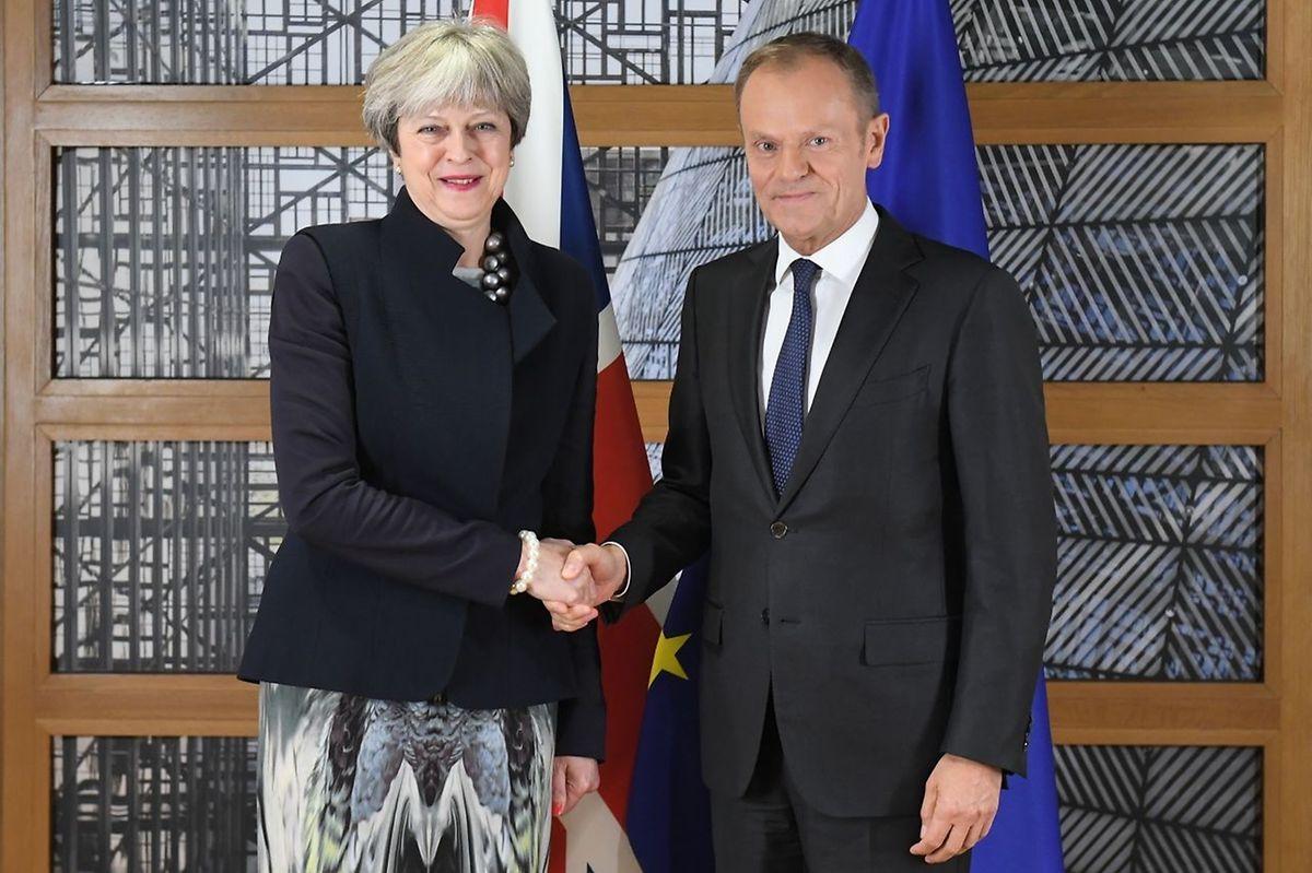 Theresa May e Donald Tusk.