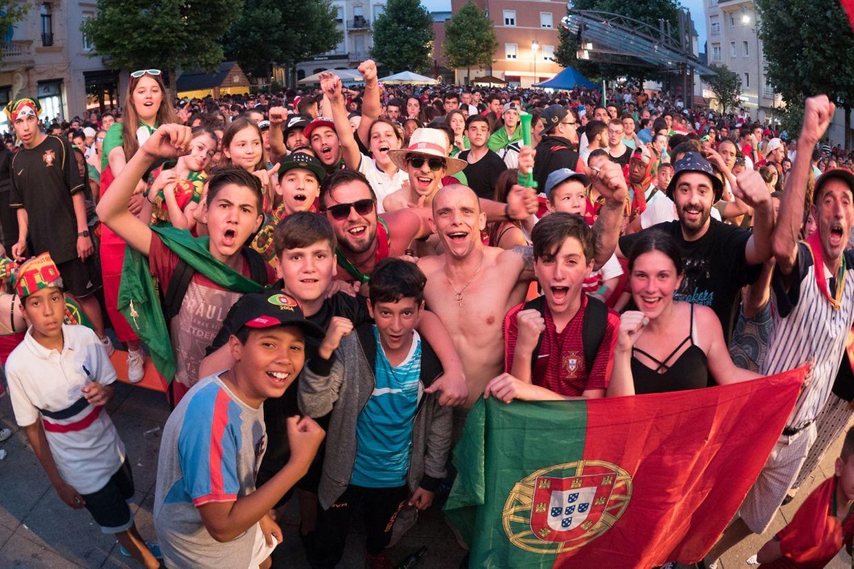 Euphorische Fans in Differdingen.