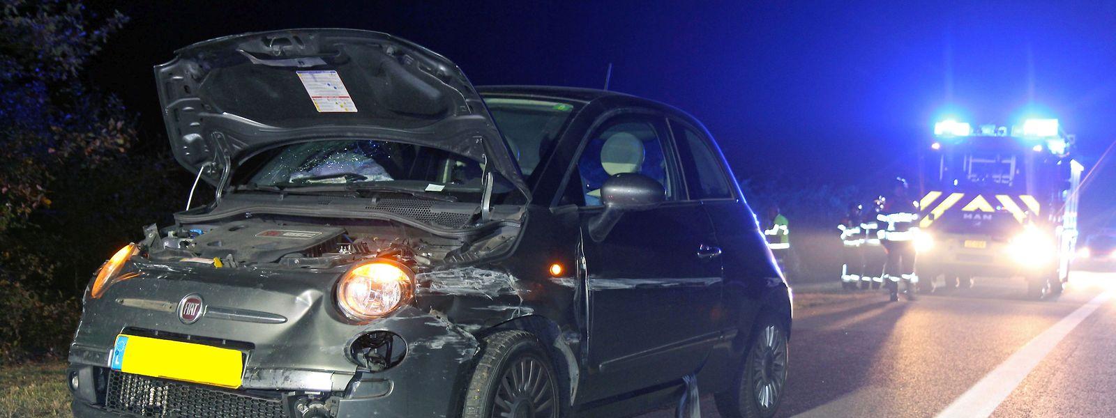 Die Unfallwagen wurden stark beschädigt.