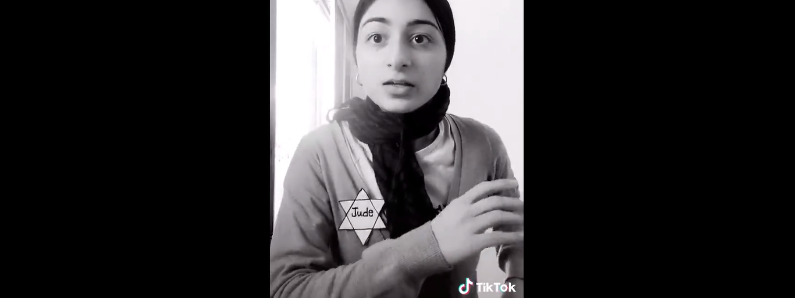 """Eines der weniger drastischen Beispiele: Eine junge Nutzerin hat sich einen selbstgebastelten """"Judenstern"""" angeklebt. Kurze Zeit später mimt sie, erschossen zu werden."""
