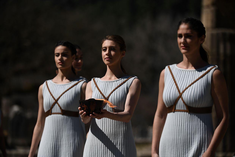 La flamme du relais olympique a été allumée sur le site antique d'Olympie ce jeudi midi.