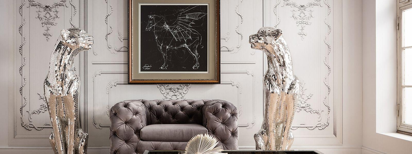 Ein herrlich bequemes Sitzmöbel, dazu etwas Nüchternheit - so finden sich Plüsch und Purismus in einem Raum zusammen. Auch Einrichter Kare setzt für die Möbelmesse IMMCologne auf diesen Stil und benennt ihn «Glamrock».