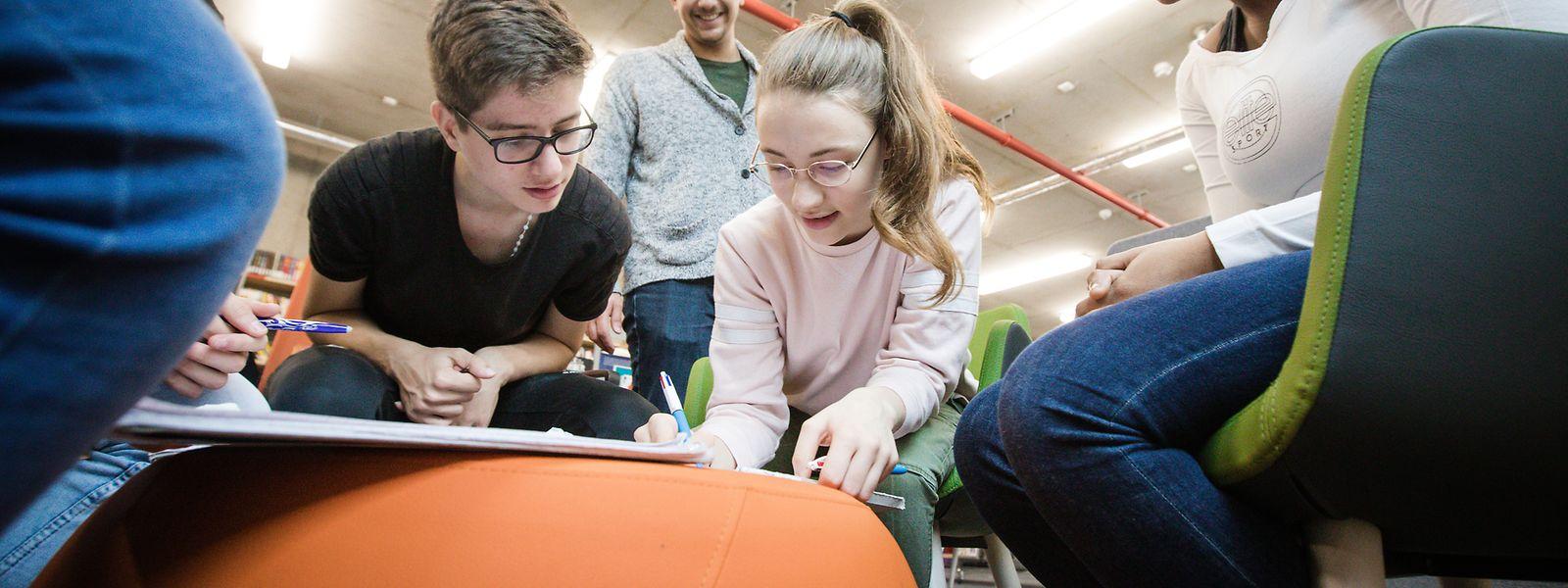 Un travail de groupe autour d'une note, d'une sonorité: les jeunes slameurs, élèves de la classe S3 francophone de l'Ecole internationale de Differdange, ne manquent pas d'imagination.