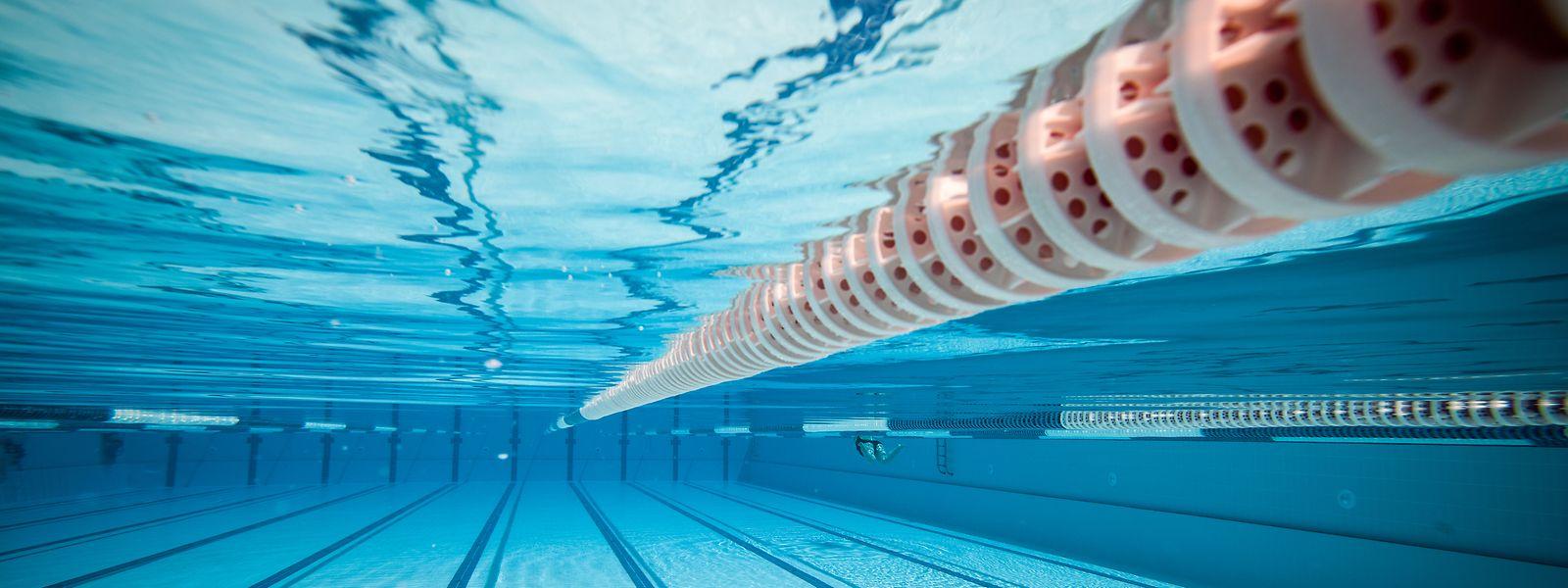 Lange Wege zum Becken: Für den Schwimmunterricht an den Grundschulen muss eine Lösung her, sind sich die beiden Gemeinden einig.