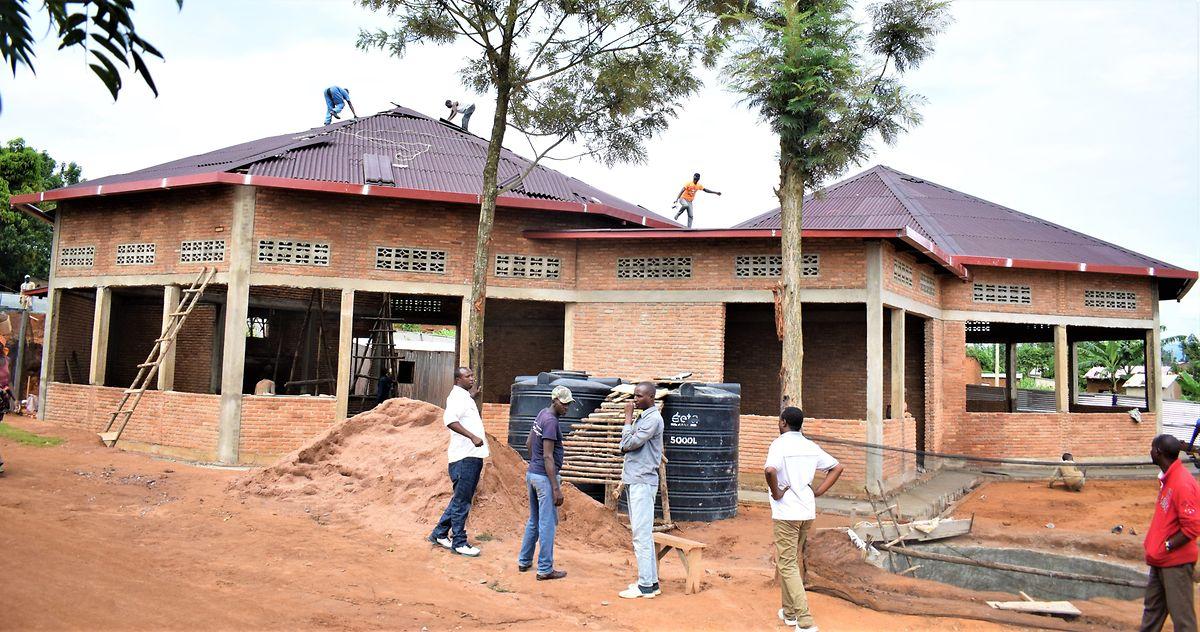 Der Bau von neuen Gebäuden geht auch in Zeiten des Confinement weiter.