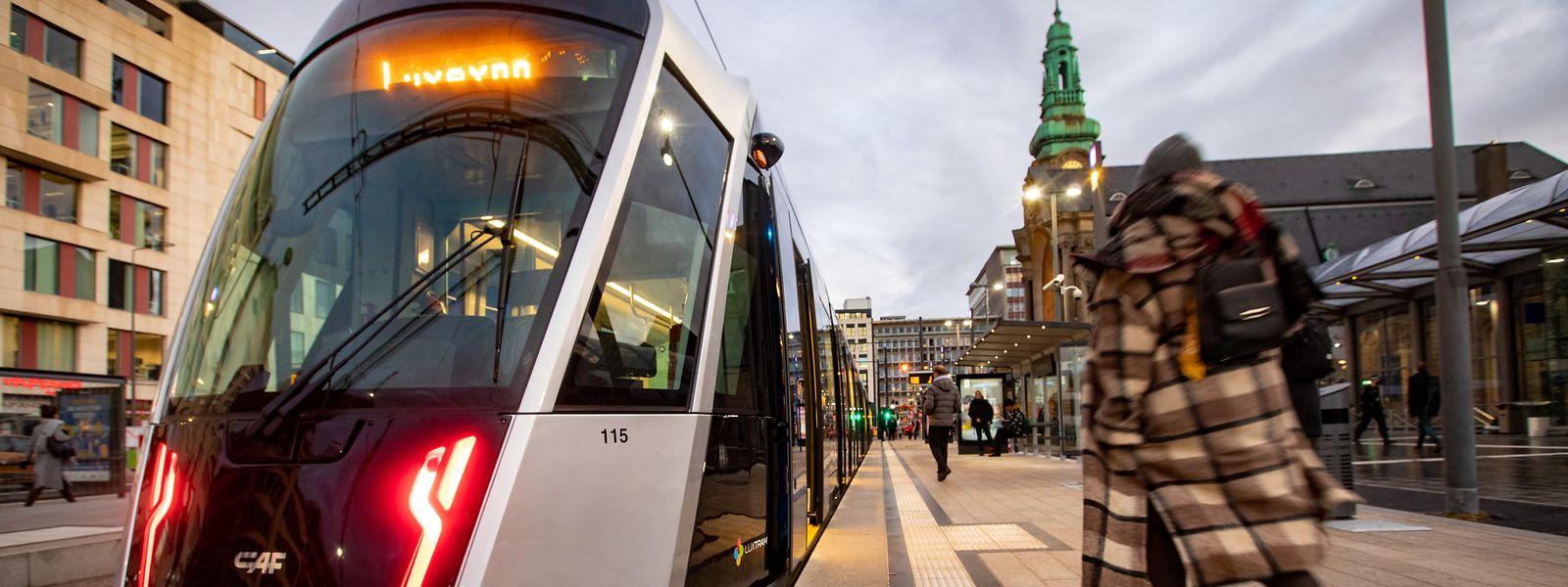 Endstation Hauptbahnhof - aber wieder nur vorübergehend. Ab der ersten Hälfte 2022 geht es von der Place de la Gare aus geradeaus weiter über den Pont Buchler bis nach Bonneweg.
