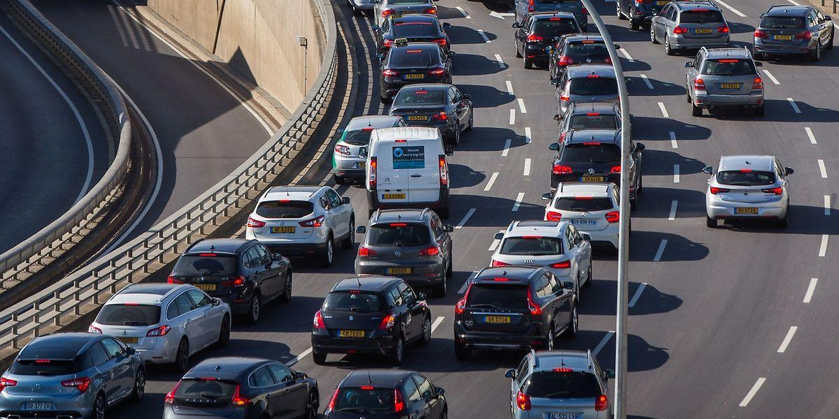 Der durchschnittliche Autofahrer in Luxemburg stand im vergangenen Jahr laut einer Statistik der EU-Kommission durchschnittlich über 32 Stunden im Stau.